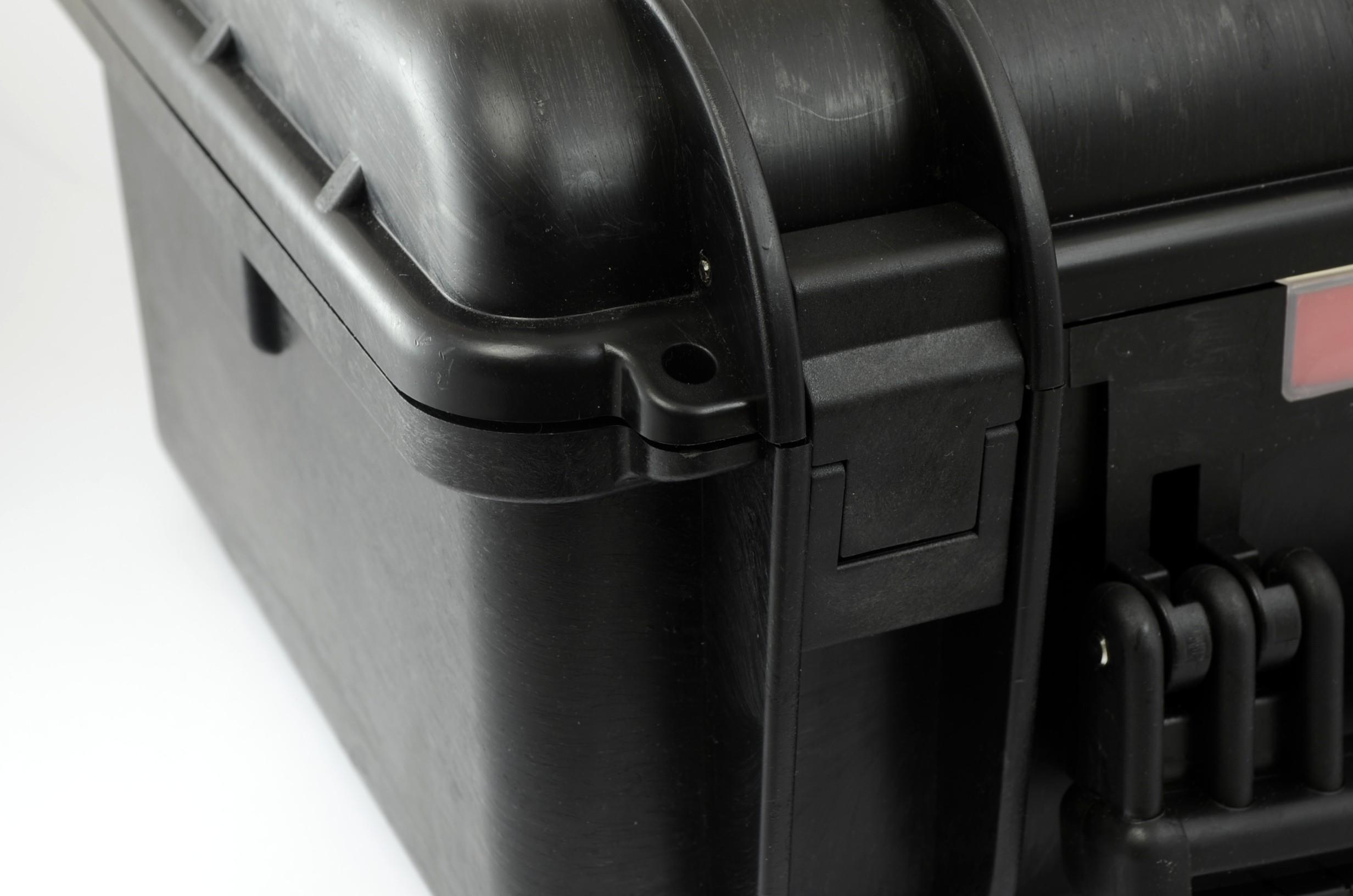 Podkładki regulacyjne do osiowania maszyn z walizką